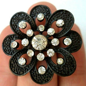 vintage black enamel flower rhinestone ring